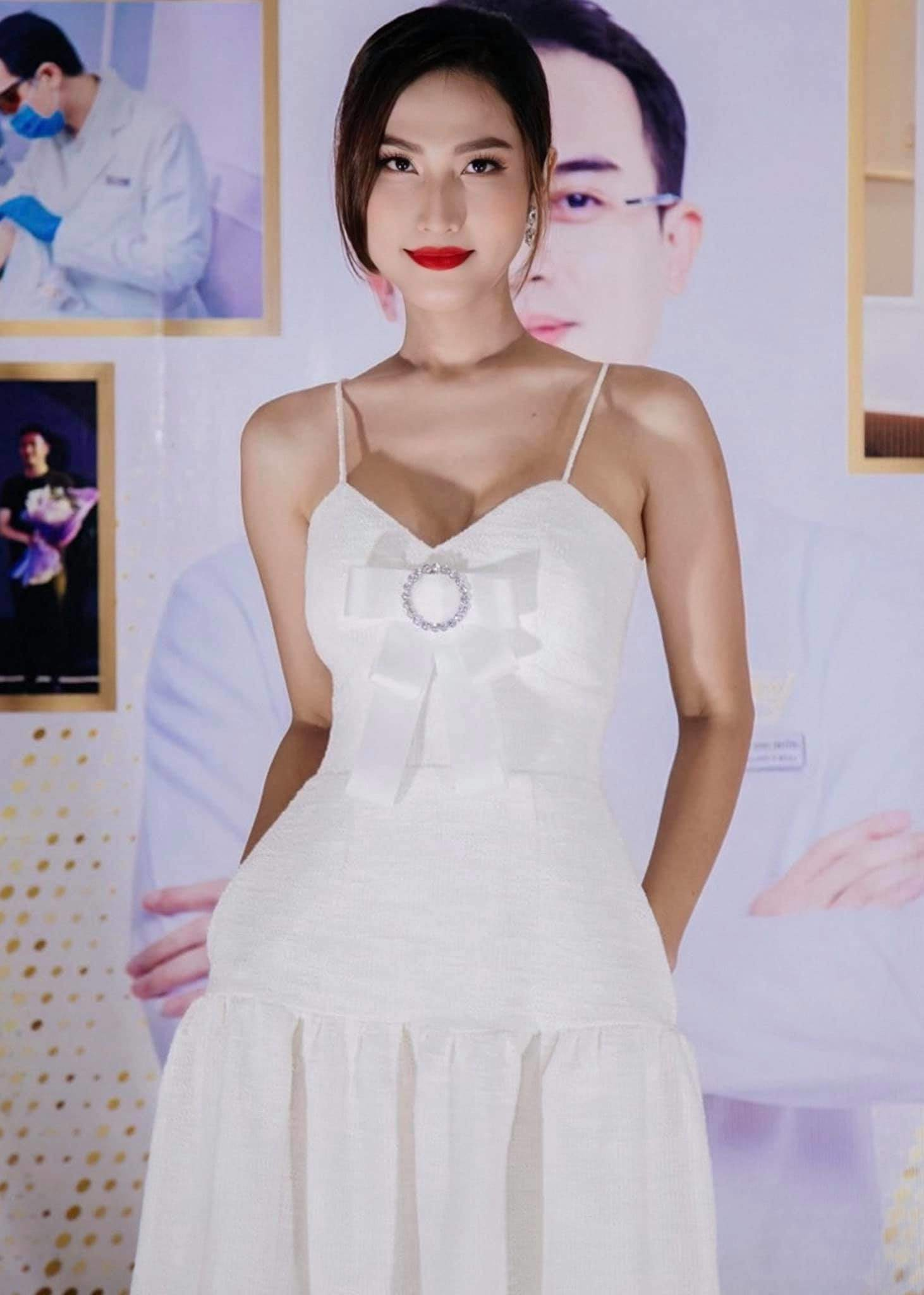 Từng bị chỉ trích vì mặc váy khoe cặp tuyết lê phản cảm, Hoa hậu 9X giờ hở tinh tế - 3