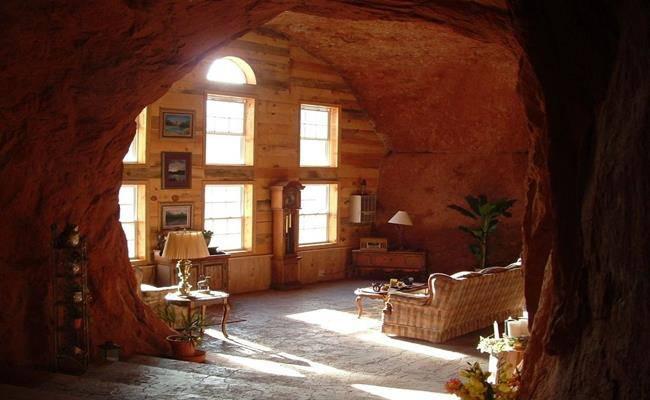 Chui vào hang làm nhà, tưởng hoang sơ ai ngờ đẹp như khách sạn 5 sao - 10