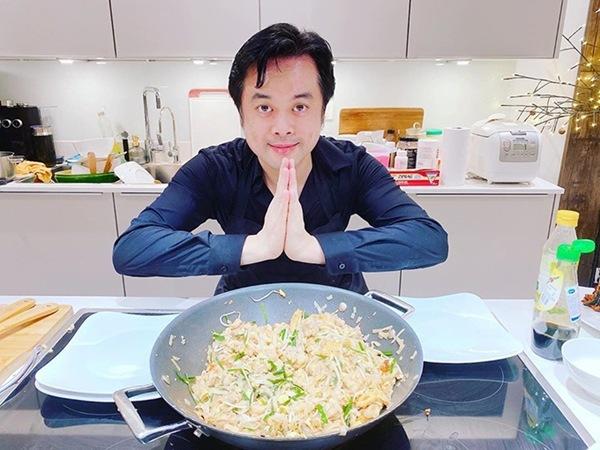 Quanh năm nấu ăn cho vợ trẻ, Tết này nhạc sĩ Dương Khắc Linh lại muốn amp;#34;gác đũaamp;#34; nghỉ ngơi - 6