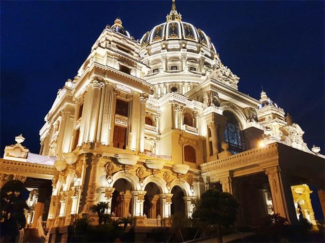 Gia sản khổng lồ của đại gia Việt sở hữu lâu đài dát vàng vừa xôn xao mạng xã hội - 3