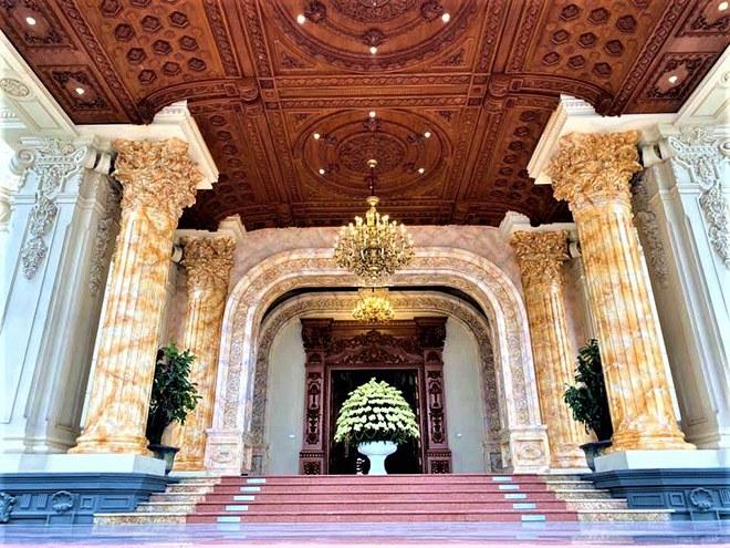 Gia sản khổng lồ của đại gia Việt sở hữu lâu đài dát vàng vừa xôn xao mạng xã hội - 5