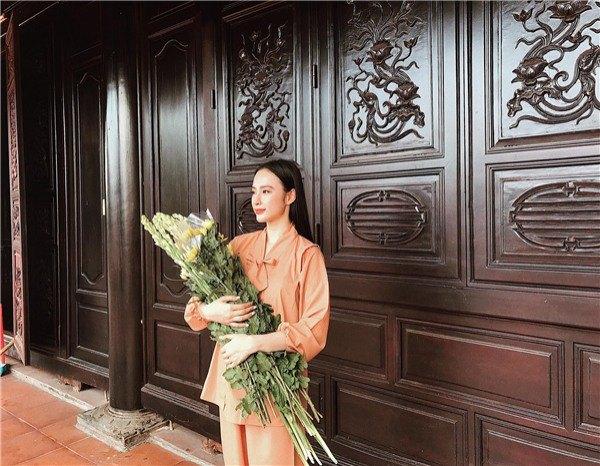 Angela Phương Trinh diện váy đỏ rực mừng tuổi mới, chẳng hở hang mà xinh xuất sắc - 8