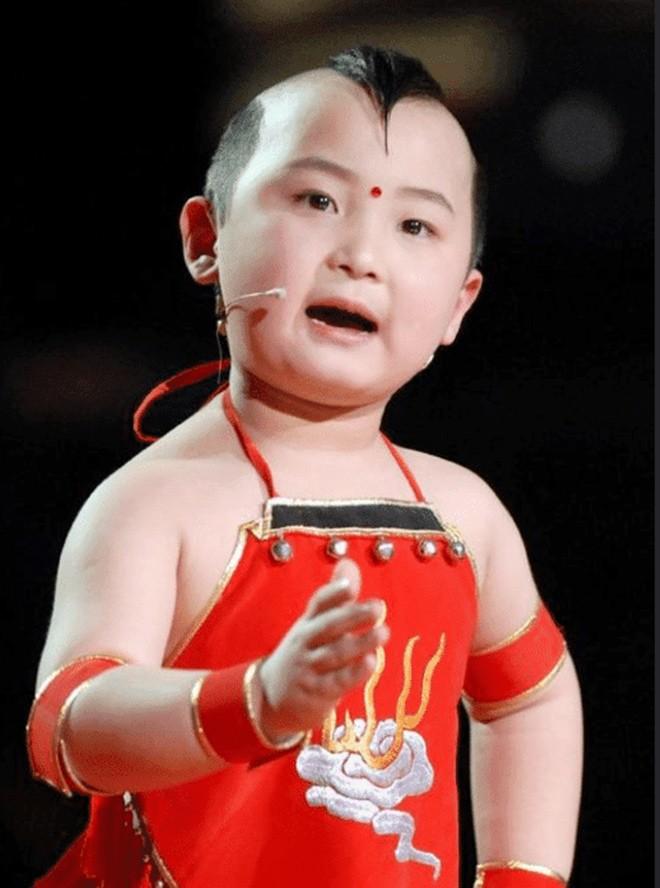 amp;#34;Búp bê ảnh Tếtamp;#34; Đặng Minh Hạ: Cỗ máy kiếm tiền của mẹ, 8 tuổi qua đời trong xót xa - 8