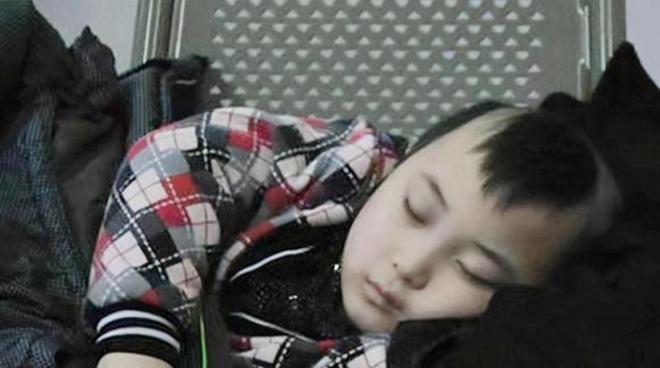 amp;#34;Búp bê ảnh Tếtamp;#34; Đặng Minh Hạ: Cỗ máy kiếm tiền của mẹ, 8 tuổi qua đời trong xót xa - 14