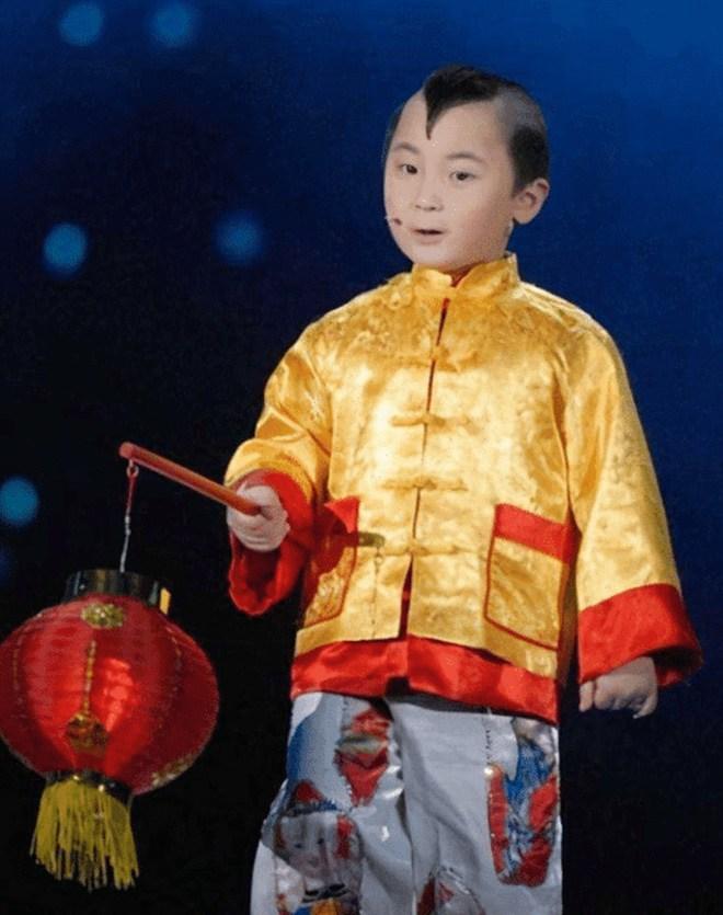 amp;#34;Búp bê ảnh Tếtamp;#34; Đặng Minh Hạ: Cỗ máy kiếm tiền của mẹ, 8 tuổi qua đời trong xót xa - 6