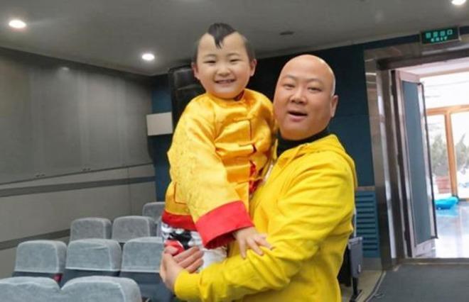 amp;#34;Búp bê ảnh Tếtamp;#34; Đặng Minh Hạ: Cỗ máy kiếm tiền của mẹ, 8 tuổi qua đời trong xót xa - 10