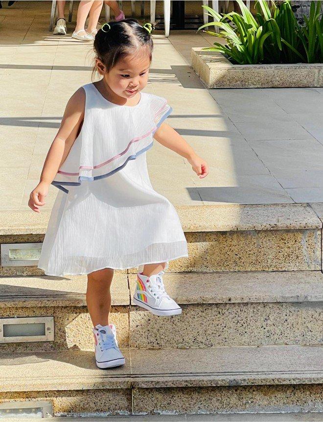 Thanh Thảo giải thích lý do không thường xuyên cho con mặc váy, nhiều mẹ bỉm phải gật đầu - 4