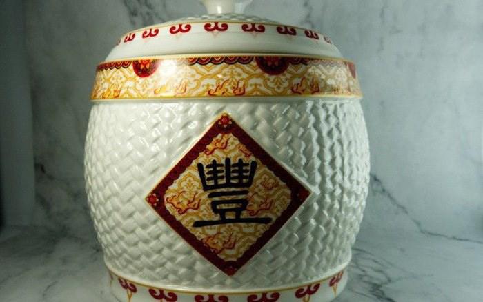 Theo phong thủy, di chuyển hũ gạo đến chỗ này trong năm mới để ăn nên làm ra - 1