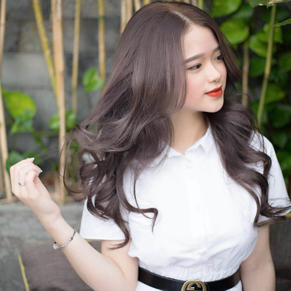 Nếu từng gặp tình cảnh như Linh Ka, chị em hãy tự học chiêu sấy phồng tóc chẳng cần thợ - 7