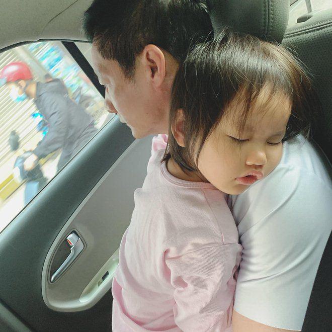 Muốn gần Phan Như Thảo nhưng con bám, đại gia Đức An than: Trai trẻ còn khoẻ...không làm gì được - 11