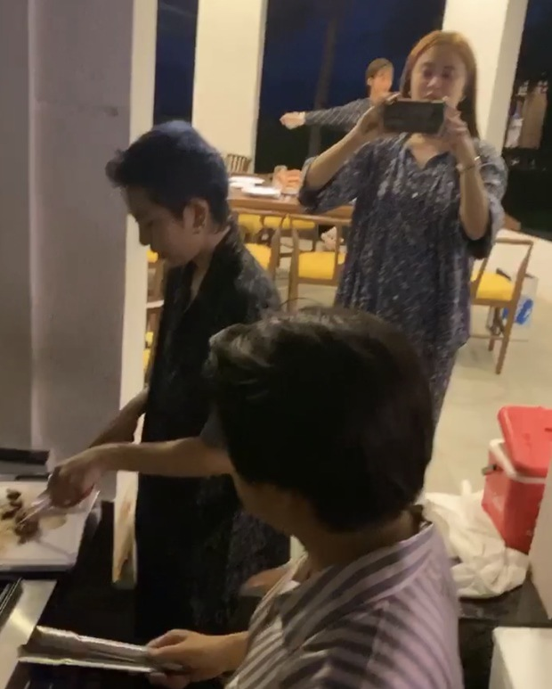 Fan ngưỡng mộ độ tình cảm của Gil Lê - Hoàng Thùy Linh nhờ điểm chung về món ăn - 8