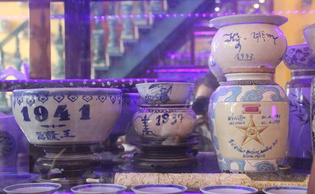 Độc đáo căn nhà được phủ kín bởi hàng nghìn món đồ cổ ở Việt Nam - 8