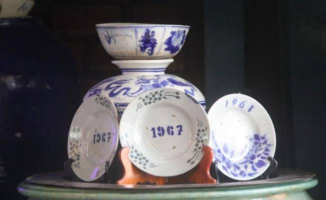Độc đáo căn nhà được phủ kín bởi hàng nghìn món đồ cổ ở Việt Nam - 9