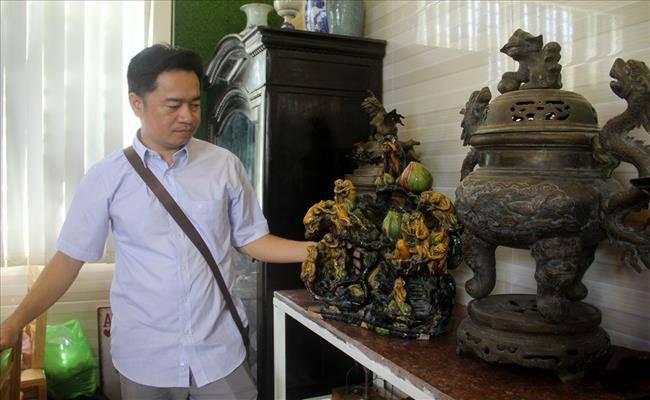 Độc đáo căn nhà được phủ kín bởi hàng nghìn món đồ cổ ở Việt Nam - 12