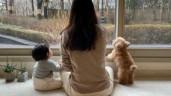 43 tuổi mới lấy chồng, Choi Ji Woo lần đầu khoe con gái, nhìn phía sau đã thấy đáng yêu