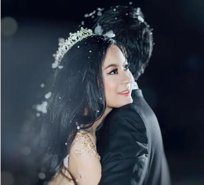 Cô dâu trong đám cưới 10 tỷ, có ca sĩ Lệ Quyên tham gia biểu diễn giờ ra sao? - 8