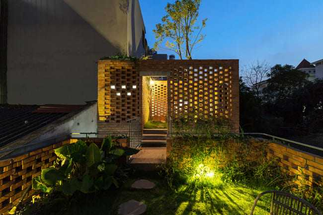 amp;#34;Thích mêamp;#34; căn nhà gạch mộc mạc, có vườn cây xanh mát giữa Hà Nội xô bồ - 11