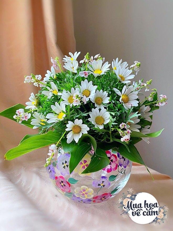 Mẹ Việt biến nhà rực sắc đón ngày 8/3, khoe muôn kiểu cắm hoa đẹp rụng rời - 22