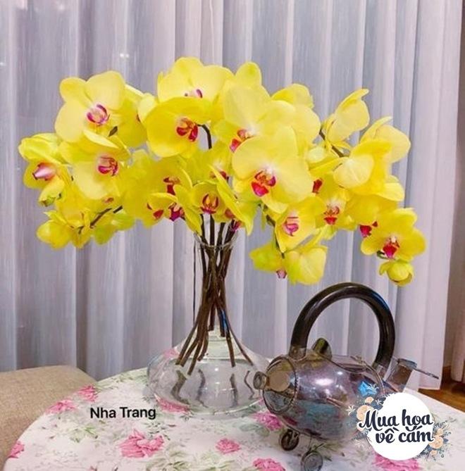 Mẹ Việt biến nhà rực sắc đón ngày 8/3, khoe muôn kiểu cắm hoa đẹp rụng rời - 9