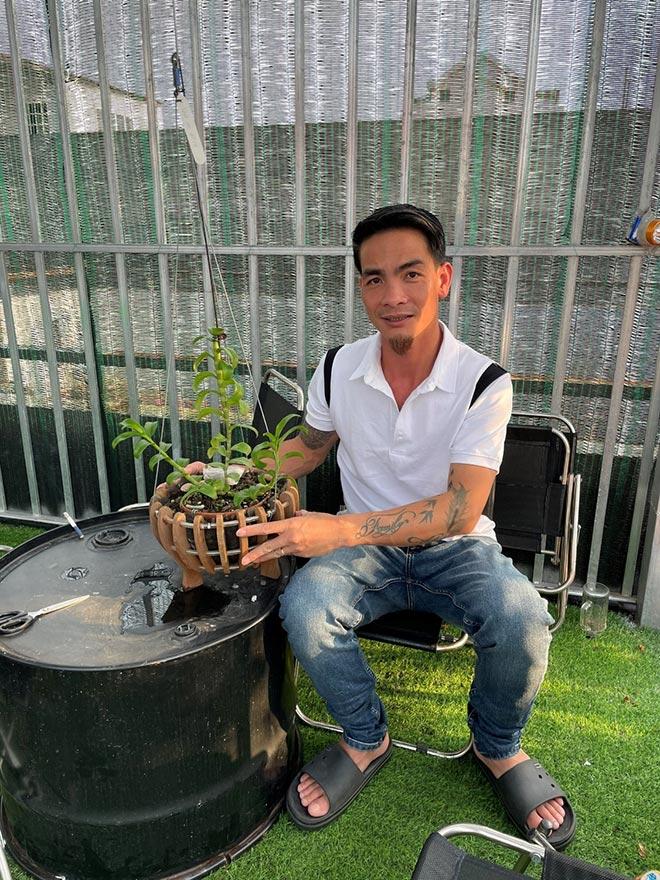 Đào Ngọc Tuân không ngại chia sẻ kỹ thuật trồng và chăm sóc cây hoa lan - 2