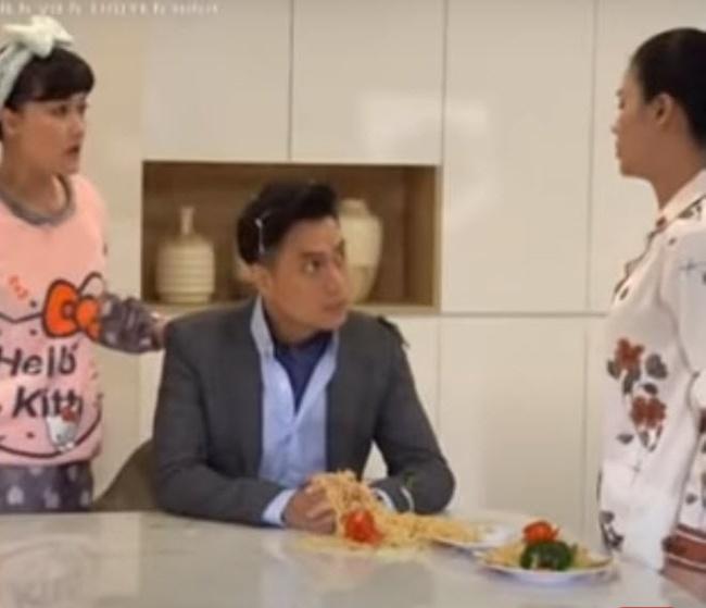 Hướng Dương Ngược Nắng: Lộ cảnh bà Loan nổi điên, xin thêm mỳ xào ném thẳng vào mặt Hoàng - 5