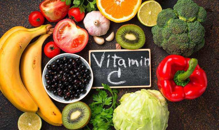 Dưỡng da bằng vitamin C: Bí quyết amp;#34;cứu vớtamp;#34; làn da thâm sạm, già nua nhưng sự thật ra sao? - 4