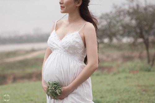 """Ảnh bầu tuyệt đẹp của mẹ 8x được chồng đi theo """"tung váy"""" suốt buổi chụp hình - 6"""
