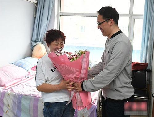 Mẹ đơn thân tăng 190kg vì ly hôn, 1 năm sau nhan sắc thay đổi yêu ngay trai tân - 3