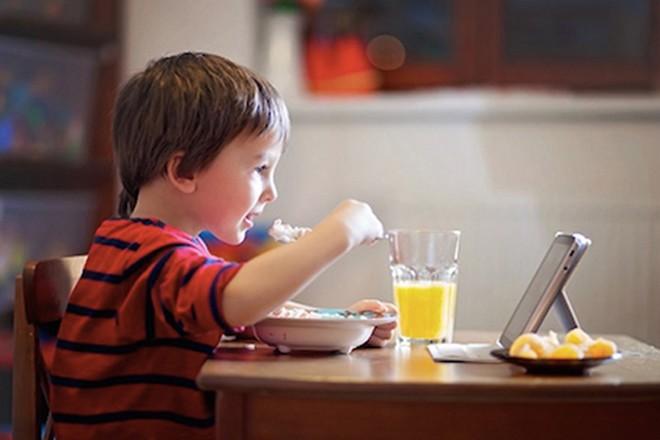 Trẻ 4 tuổi biếng ăn phải làm sao? Biện pháp để trẻ hết biếng ăn - ảnh 2