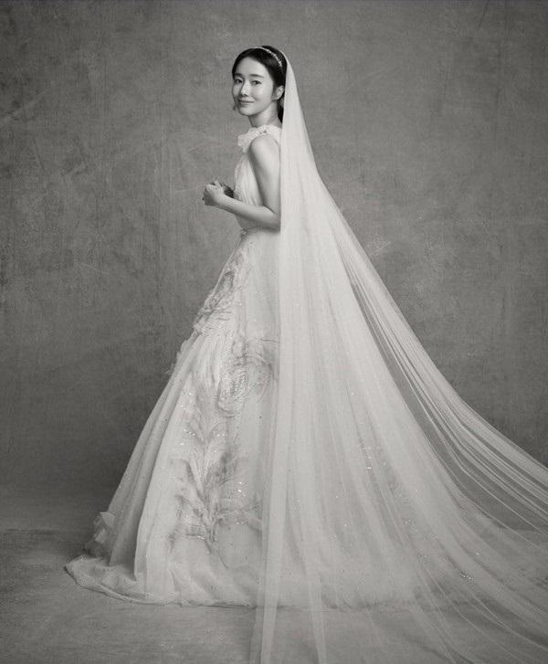 """dam cuoi lee jung hyun: hon le hot nhat hom nay vi dan khach moi """"khung"""" chua tung co - 1"""