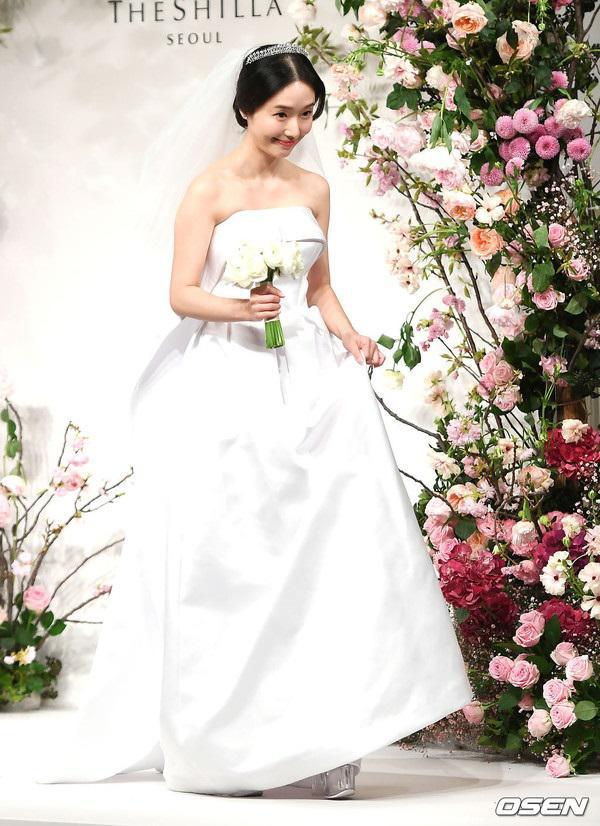 """dam cuoi lee jung hyun: hon le hot nhat hom nay vi dan khach moi """"khung"""" chua tung co - 3"""