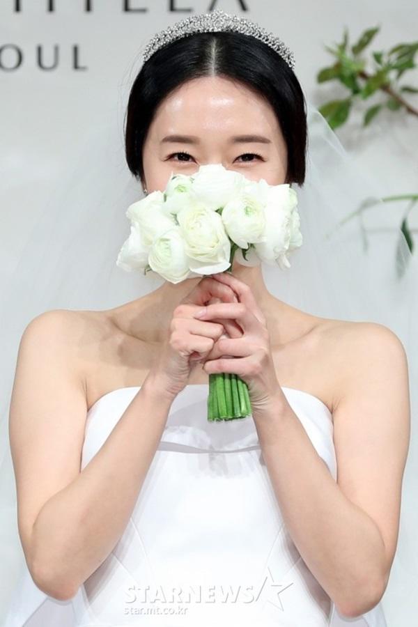 """dam cuoi lee jung hyun: hon le hot nhat hom nay vi dan khach moi """"khung"""" chua tung co - 5"""