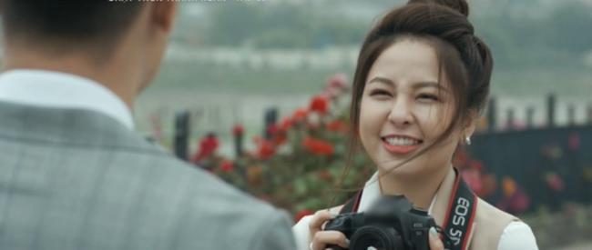 "hot girl tram anh vuong scandal day song hoa ra tung ""tha thinh"" trai dep bang cach... chup len - 3"