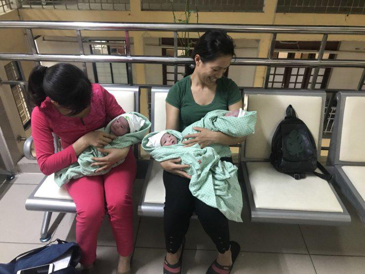 """me hai phong sinh 3 con bu bam, dan mang tram tro: """"mot lan la xong nhiem vu"""" - 5"""