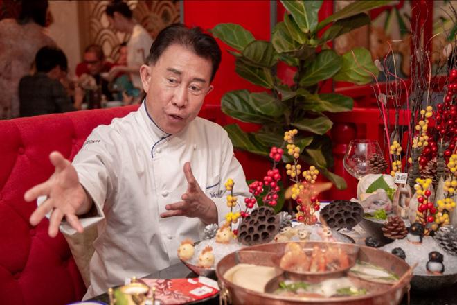 dau bep yan can cook khong tiec loi khen ngoi mon lau khoi the drunken pot cua nguoi ban cu - 4