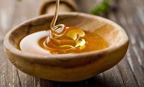 chich 2 vien vitamin e lay dich, tron lan cung mat ong roi thoa len mat, ban se bat ngo - 2