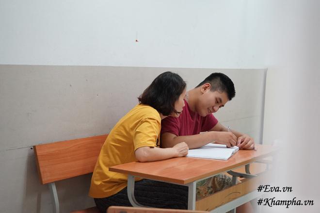 """15 nam nuoi con tu ky, me hn rung rung doc tam su con gui: """"con biet me vat va"""" - 7"""