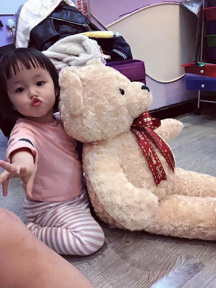 hotgirl bim sua lo nguc tran cho con bu noi cong cong hut 7 nghin nguoi bam like - 5