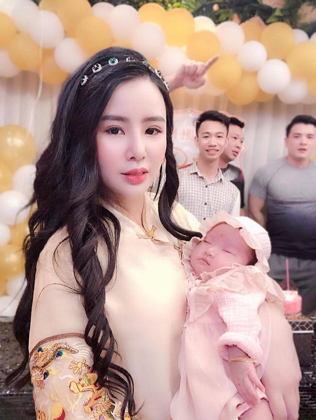"""co dong xinh nhat nhi ha thanh ket hon sau 3 thang tim hieu, """"nghien"""" sam do cho con - 8"""