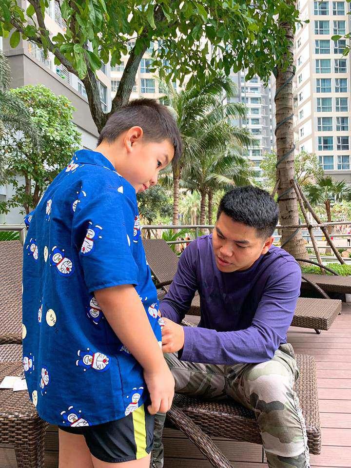 chi ngoc trinh sap sinh con cho chong kem tuoi, con trai co duoc bo duong cham soc the nay! - 13