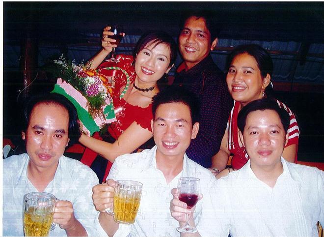 "bien cuc cang: thanh thuy gao thet, viet tam thu doi no chong gay ""day song"" mang xa hoi - 6"