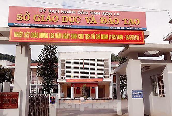 choang vang voi so tien can bo nhan de nang diem cho moi thi sinh o son la - 2