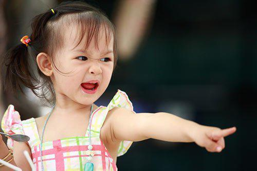 cach cha me thong minh ung pho voi nhung dua con buong binh - 1