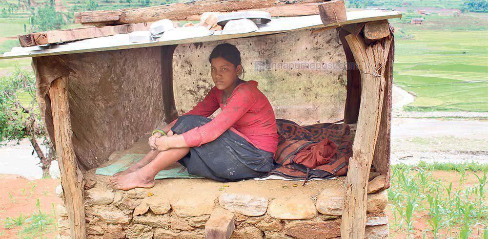 "ky quac tuc le duoi phu nu ra khoi nha khi ""den thang"" o nepal - 10"
