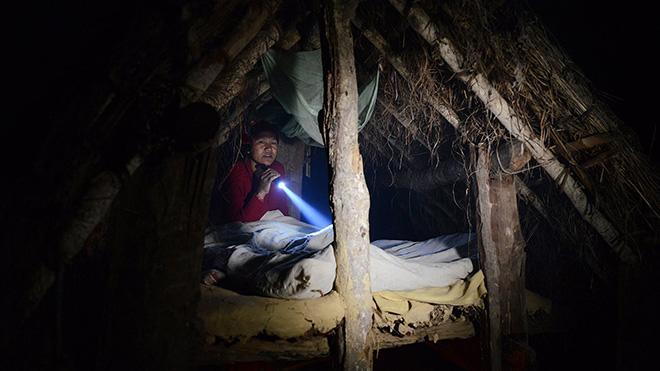 "ky quac tuc le duoi phu nu ra khoi nha khi ""den thang"" o nepal - 9"