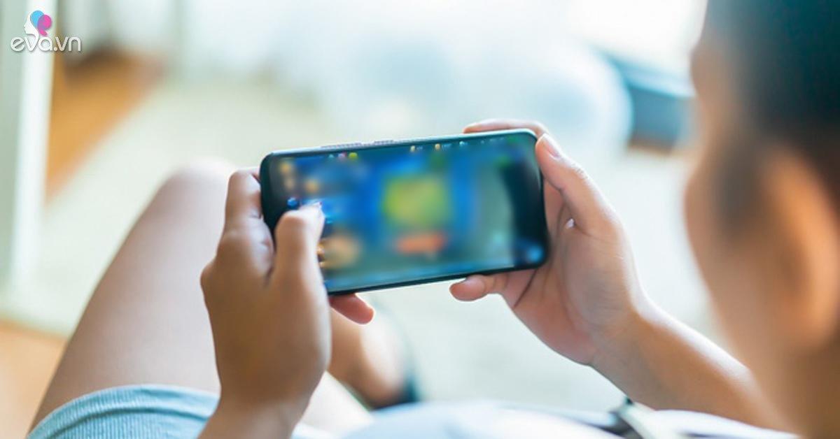 Nam sinh đột tử sau khi dùng điện thoại vì chơi game quá lâu