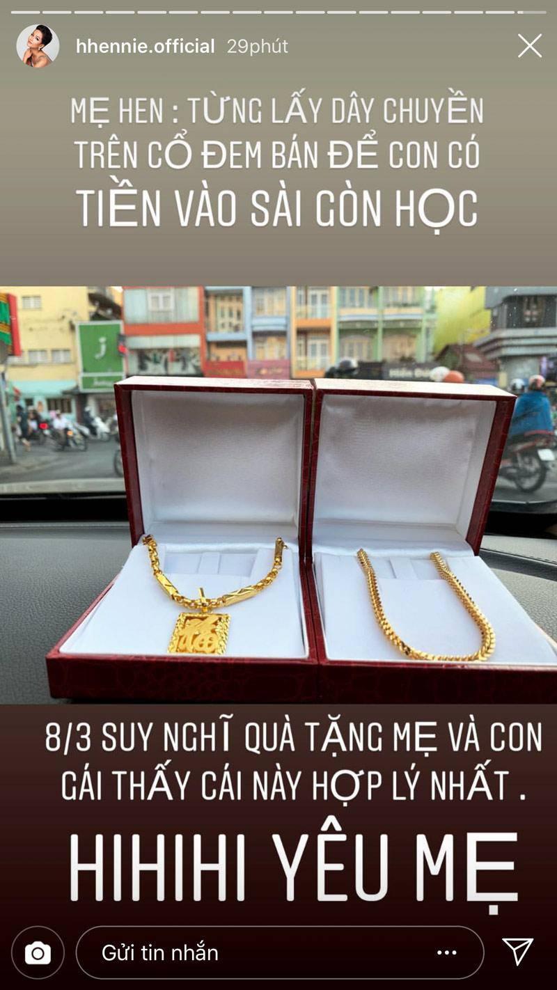 co tien la mua vang deo chu khong dam sam hang hieu, hoa hau ngheo nhat vbiz day sao? - 2