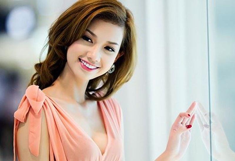 Quỳnh Chi là một nữ MC được nhiều người yêu mến. Cô sở hữu gương mặt khả ái cùng chất giọng truyền cảm hứng.