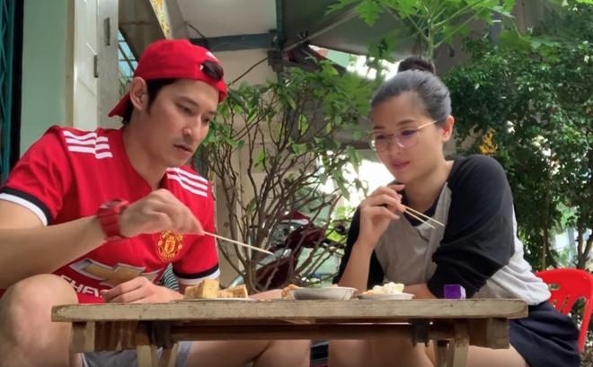 """Phản ứng của Trấn Thành khi ăn đậu phụ thối, fan đếm không biết bao nhiêu từ """"Thúi quá"""" - 10"""
