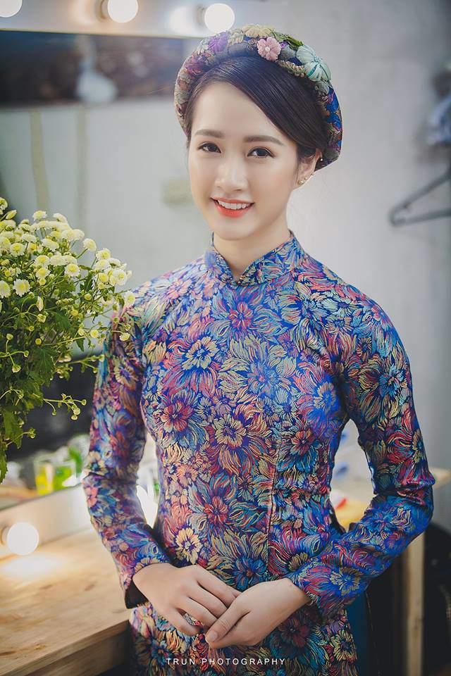 """hotgirl dan toc co bau 7 thang voi """"hotboy ban nuoc mia"""", bung vuot mat van xinh van nguoi me - 13"""